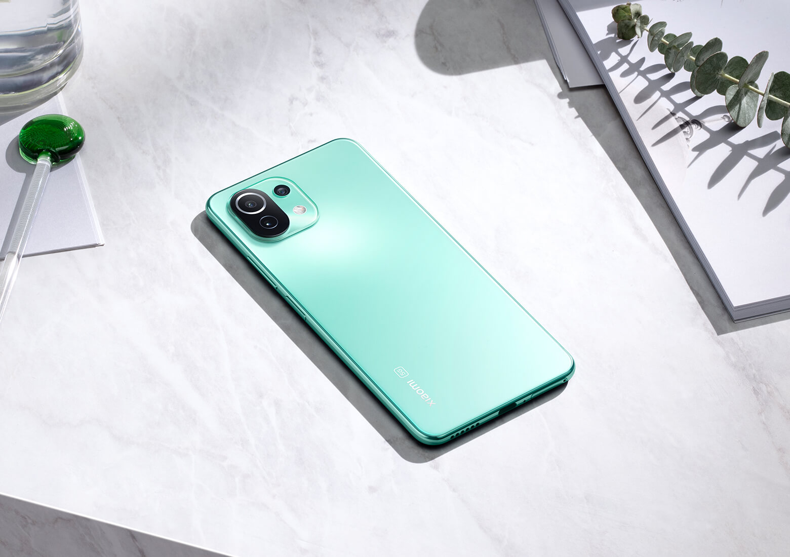https://i01.appmifile.com/webfile/globalimg/products/pc/mi-11-lite-5g/overview06_01.jpg