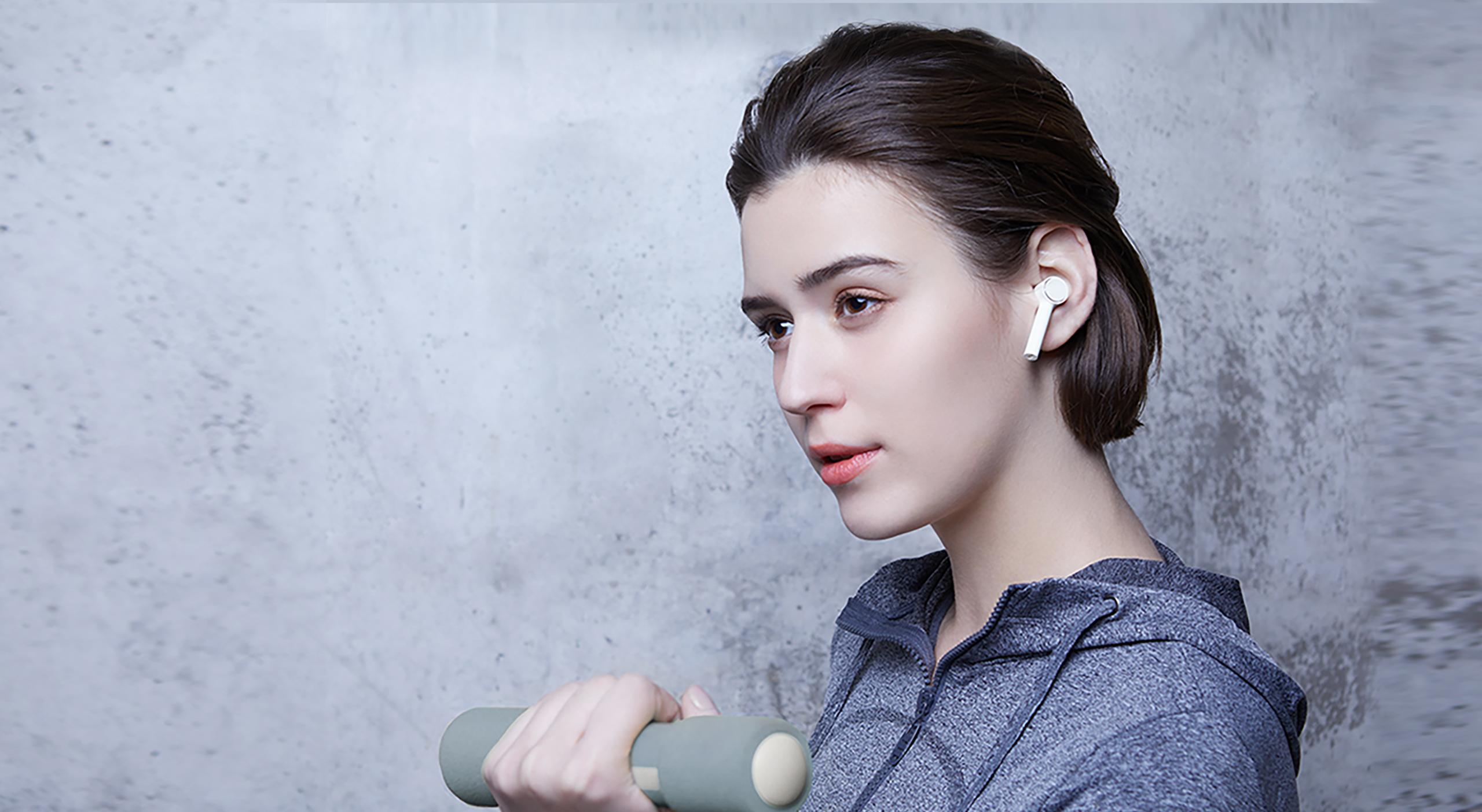 https://i01.appmifile.com/webfile/globalimg/products/pc/mi-true-wireless-earphones/section-06.jpg